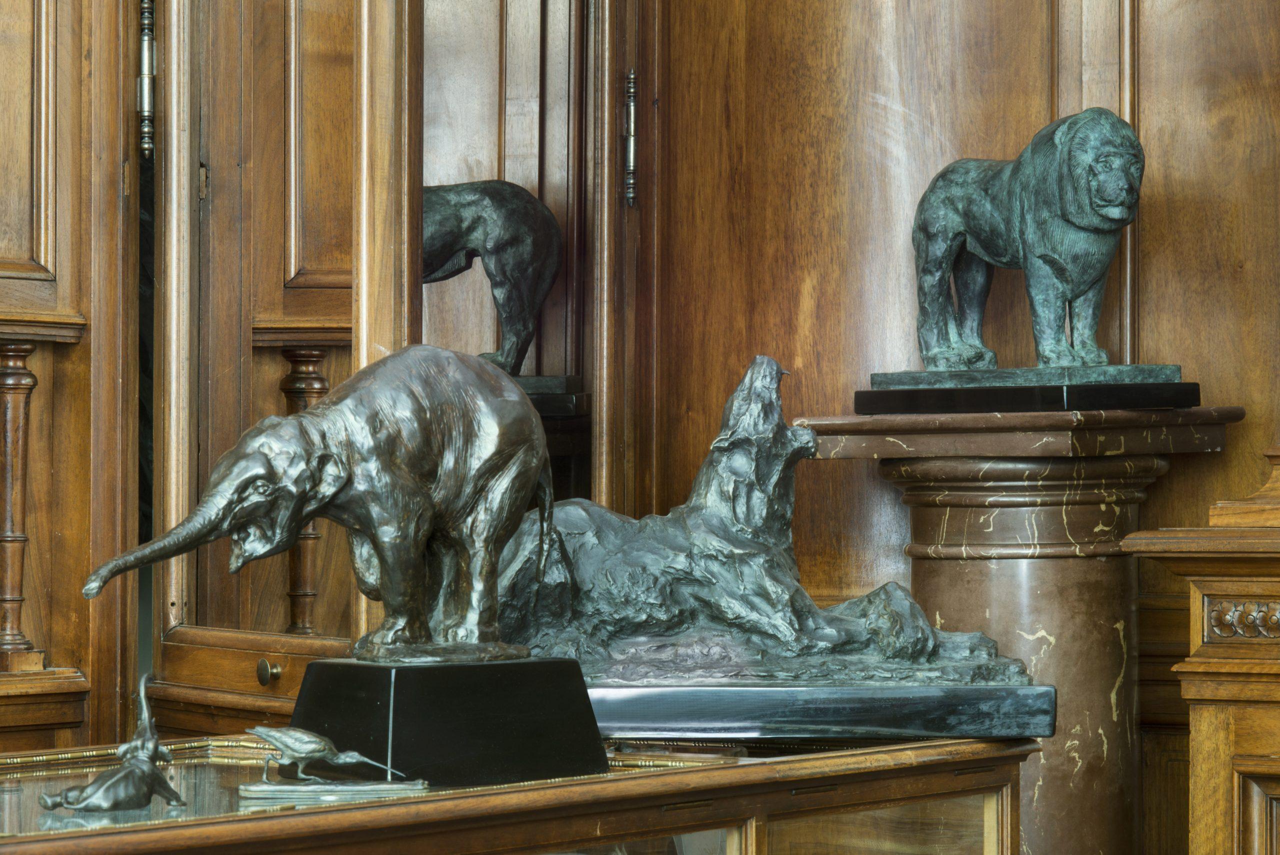 Bronzes d'art Benneton - lion - éléphant